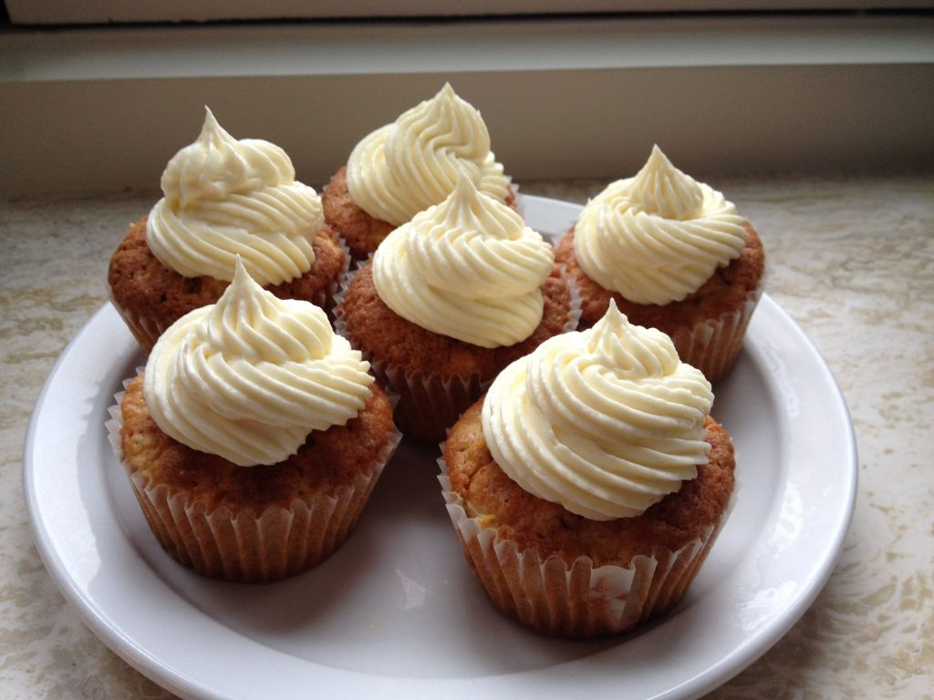 Appel cupcakes met witte chocolade topping - chezbo.nl